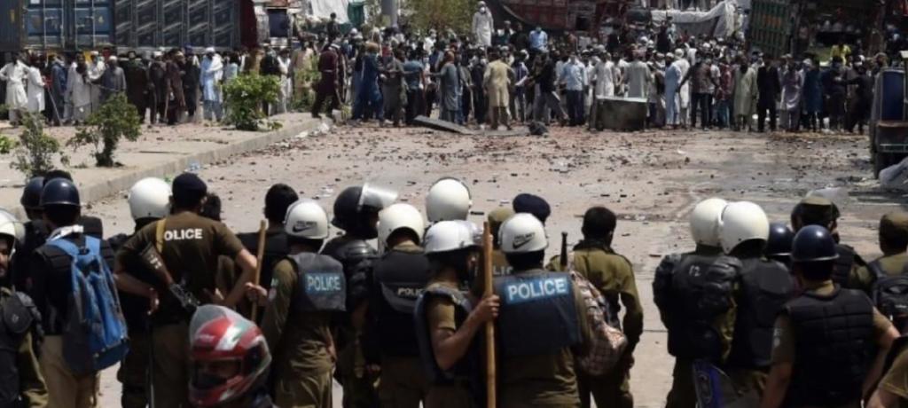 TLP released 11 police hostages after talks with Punjab Govt
